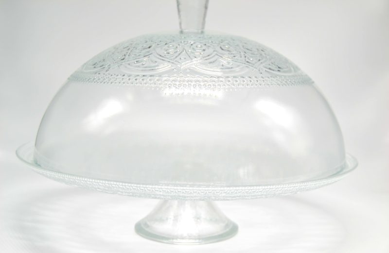 Glasglocke auf Fuss H: 22cm D: 33cm